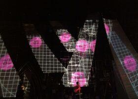 Projections de TURBINE sur les éléments du décor du Gala de l'ADISQ 2015.