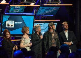 ADISQ 2015 : le premier gala - Isabelle Boulay, Mara Tremblay, Éric Goulet, Alexandre Belliard et Pierre Lapointe (crédit photo : Jean-François Leblanc)