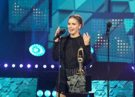 Premier Gala de l'ADISQ 2017 - Klô Pelgag, gagnante du Félix pour l'Album de l'année - Alternatif