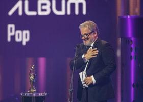 Gala de l'ADISQ - Daniel Bélanger, gagnant du Félix pour Album de l'année - Pop