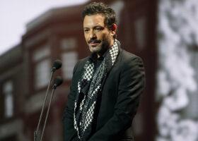 Gala de l'ADISQ - Adam Cohen accepte le Félix honorifique pour son père, Leonard Cohen
